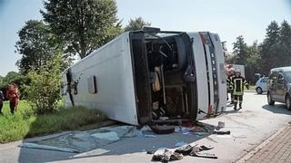 Stare de ALERTA! Autocar cu 50 de romani, rasturnat in Germania! Cel putin 44 de raniti