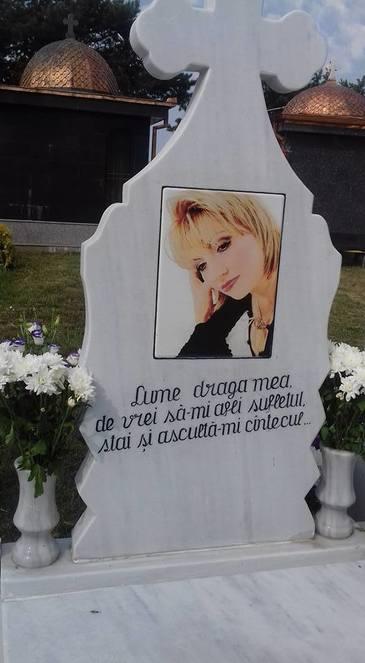 """Parastas neobisnuit la 6 luni de la moartea Ilenei Ciuculete. E incredibil in ce loc a decis vaduvul sa tina comemorarea. """"Sunt 26 de suflete acolo. Mi se pare cel mai potrivit"""""""