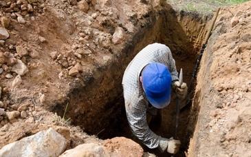 Motivul cutremurator pentru care un barbat si-a dezgropat iubita la 5 ani dupa moatea ei