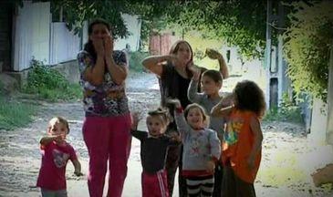 O familie cu 7 copii traieste un adevarat cosmar, dupa ce unul dintre micuti a fost diagnosticat cu cancer la ficat si stomac. Micutul are nevoie disperata de ajutor