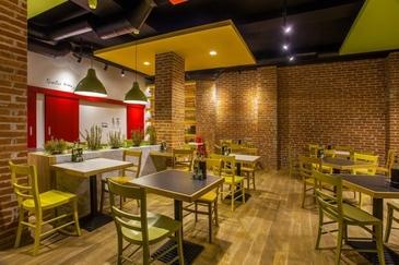 """""""Nu serviti tigani si romani"""": Un mesaj atribuit conducerii unui restaurant fast-food din Spania starneste polemica"""