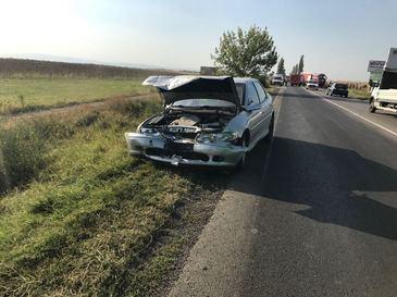 Un barbat a murit carbonizat si doua persoane au fost ranite, dupa ce trei autovehicule s-au ciocnit pe DN 2 B, in Buzau.