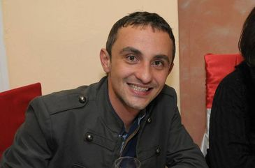 Nepotul Ministrului Agriculturii, jurnalistul Marius Daia, a fost gasit mort in casa. Barbatul avea 35 de ani