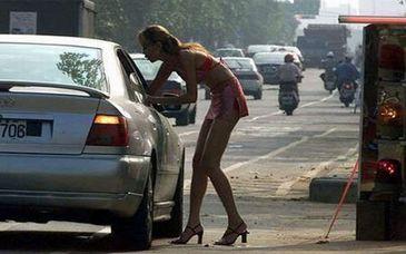 """Prostituata pe Autostrada Soarelui, din dragoste pentru iubit. """"Asta e pustoaica, e asa... are mintea slaba"""""""