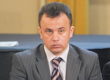 Ministrul Educatiei, Liviu Pop, a interzis in scoli pana si Gazeta matematica! Fost profesor de matematica, el s-a incurcat cand a trebuit sa rezolve o problema de la Capacitate