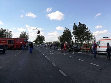 Plan Rosu de interventie in Constanta: Accident intre un autobuz si un autoturism. Trei persoane au murit, alte sapte - opt fiind ranite