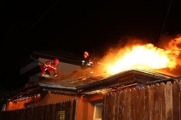 Mai multe persoane audiate la Politia Capitalei, in cazul incendiului izbucnit la azilul de batrani din sectorul 3