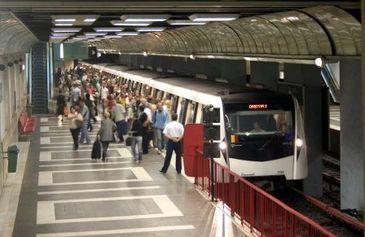 Un tanar a fost ranit grav in statia de metrou Republica