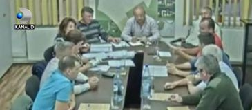 Scandal intr-o comuna din Romania intre un consilier local si politisti. Oamenii legii dau prea multe amenzi
