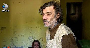 Au ajuns sa traiasca in ghena unui bloc de saracie! Drama acestor doi batrani din Bucuresti