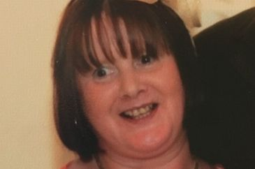 O femeie de 53 de ani, oarba, a murit dupa ce curierul care ii aducea medicamentele a incurcat coletele