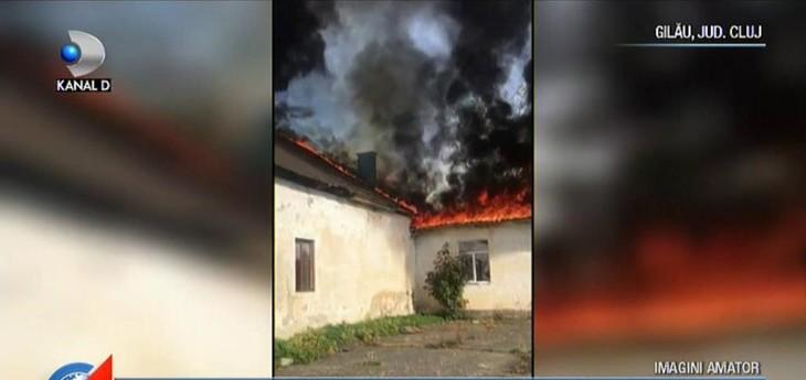 Scurtcircuit sau mana criminala? Ce s-a intamplat dupa ce scoala din Cluj a ars ca o torta