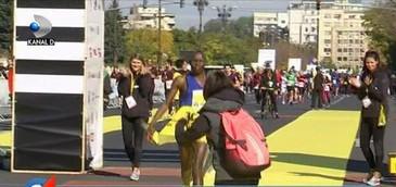 Cum a fost la cel mai mare maraton din Bucuresti. Peste 16.000 de oameni au fost azi in Capitala, unde traficul a fost oprit toata ziua