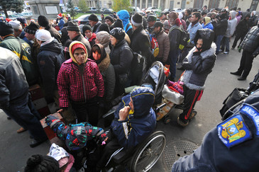 Cutremurator, un barbat a murit la coada de ajutoare sociale! Drama teribila s-a intamplat in apropierea blocului in care locuiesc parintii lui Mircea Badea!