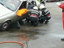 Accident de cosmar in Maramures! Un camion plin cu nisip s-a rasturnat peste un autoturism! Victimele s-au tarat sa iasa din masina