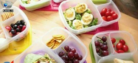 Un nou stil alimentar este la moda: consumul portiilor mici si dese. Ce spun specialistii despre acest obicei