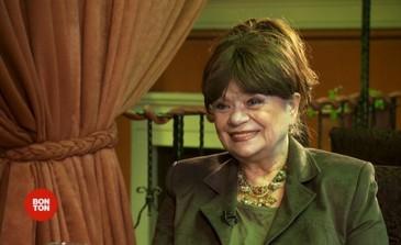 Politistii au fost nevoiti sa sparga usa casei Cristina Stamate. S-a intamplat cand i s-a facut rau