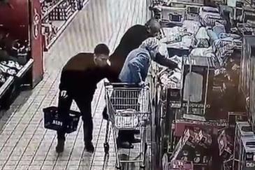 Un imigrant roman a jefuit o batrana de 87 de ani intr-un supermarket din Marea Britanie
