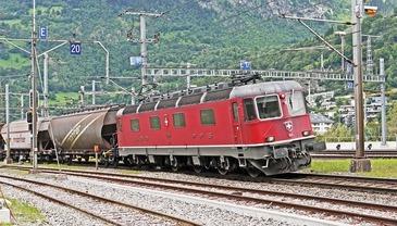Un marfar incarcat cu lemne a luat foc in timpul deplasarii! Circulatia feroviara a fost blocata intre Brasov si Sighisoara!