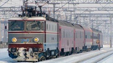 """CFR Calatori introduce de la 1 ianuarie """"Trenurile Zapezii 2018"""", cu reduceri tarifare de pana la 56 la suta pentru trenurile care ajung in statiunile montane"""