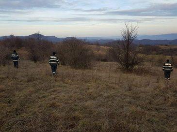 Baietel, dat disparut in Caras-Severin. Zeci de voluntari, alaturi de oamenii legii, il cauta