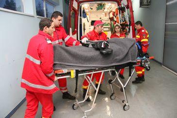 Un barbat din Iasi a murit dupa ce a fost purtat de la un spital la altul! Familia ii acuza pe medici