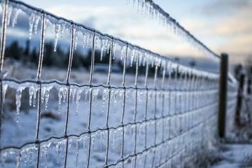 Iarna isi arata coltii! Meteorologii anunta zile de ger si ninsoare!