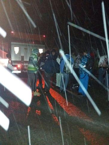 Situatie critica intr-o statiune montana din Arad! Un autocar cu peste 50 de elevi s-a defectat si a ramas blocat