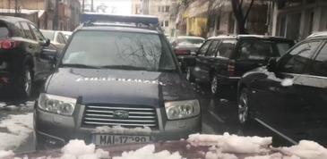 O masina a Jandarmeriei, surprinsa in timp ce circula pe contrasens, in Capitala – Ce masuri va lua conducerea institutiei impotriva soferului