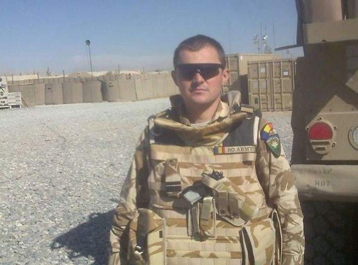 El este militarul care si-a injunghiat iubita cu 10 ani mai tanara! Florin Oprea este divortat si are doi copii - Ce functie avea in MApN