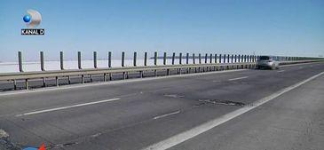 Autostrada Soarelui sau a nimanui? Nu mai are garduri de protectie, telefoanele de urgenta nu functioneaza si mereu e plina de gropi