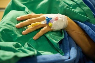 Epidemia de gripa, ignorata de autoritati, in ciuda celor 30 de victime. Un reportaj cu camera ascunsa tradeaza nepasarea medicilor – E infiorator!