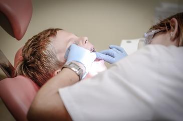 Vesti bune pentru romani! Serviciile de stomatologie ar putea fi incluse in sistemul de decontare!