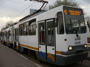 Circulatia tramvaielor 41 a fost reluata in Capitala, dupa ce fusese blocata din cauza ploii inghetate