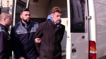Criminalul din Brasov a strambat din nas cand i s-a adus mancare! Iata ce le-a cerut Florin Buliga politistilor!