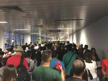 Stare de alerta pe aeroportul Otopeni! Brigada Antitero a facut anuntul!