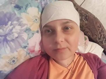 """Augustina Odaie, tanara care lupta cu cancerul: """"Sunt tanara,eram plina de vise,dorinte,ambitii!Ce nu as da ca totul sa fie ca mai inainte!"""""""