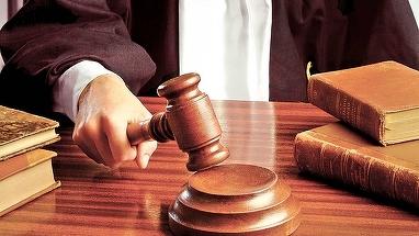 Parlamentul a decis: inchisoarea la domiciliu sau in weekend aprobata. Legea merge la Iohannis