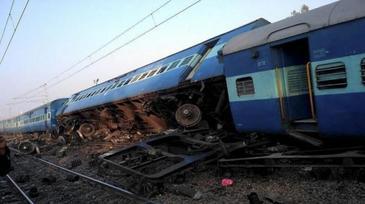 Plan rosu de interventie! 13 copii au murit, iar alti 8 se afla in stare grava dupa ce autobuzul scolar in care se aflau a fost lovit de un tren