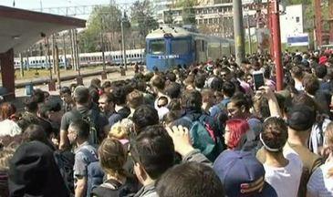 Nu mai sunt locuri in trenurile spre litoral, nici macar in picioare, pentru cei care vor sa plece in minivacanta de 1 mai.
