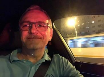 "Liviu Dragnea a venit cu lamuriri cu privire la masina in care si-a facut selfie! Iubita ar fi de vina! ""Multumesc lui Dumnezeu ca a scapat!"""