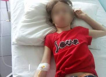 O fetita din Teleorman, data cu capul de tabla de invatatoare, a lesinat in drum catre casa