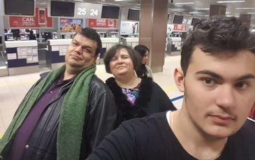 Un adolescent de 16 ani din Ploiesti a pierdut lupta cu cancerul! Mesajul tatalui sau i-a facut pe toti sa planga! Vlad era olimpic la fizica