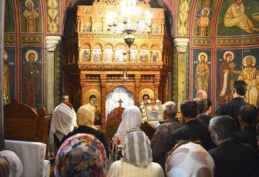 IREAL! Ce a aparut pe peretii mai multor biserici din Vaslui? Enoriasii au incremenit cand si-au dat seama despre ce e vorba