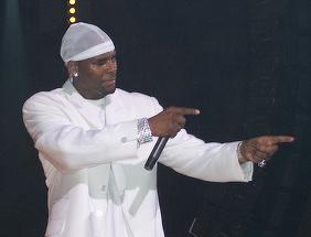 R. Kelly, dat in judecata pentru abuz sexual si infectarea victimei cu o boala venerica!