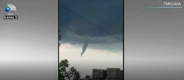 Am intrat in zona fenomenelor extreme. O tornada a fost surprinsa chiar in Timisoara!