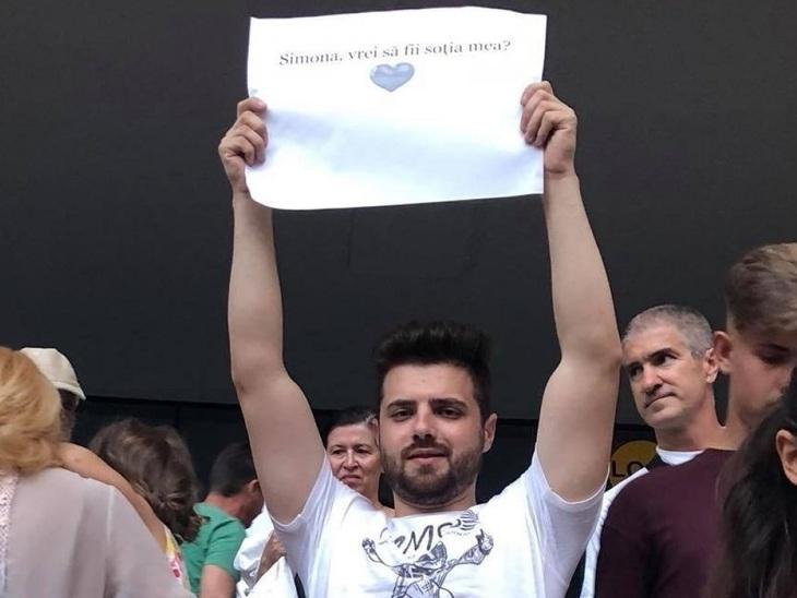 EL este barbatul care a cerut-o in casatorie pe Simona Halep. Cu ce se ocupa cel care a adresat marea intrebare pe Arena Nationala