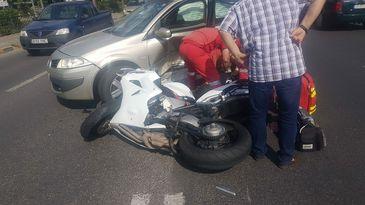 Accident mortal in Bucuresti! Un motociclist care circula regulamentar a murit dupa ce a intrat intr-o masina care nu i-a acordat prioritate!