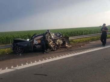 Vacanta sfarsita inainte de a incepe! Trei masini si un TIR s-au ciocnit violent pe Autostrada Soarelui, in dreptul localitatii Calarasi!