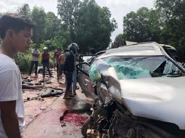 Fostul prim-ministru al Cambodgiei, printul Norodom Ranariddh, a fost ranit grav, iar sotia sa a murit intr-un accident rutier